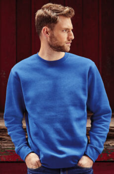 Authentic Set-In Pullover  •  Russell Europe